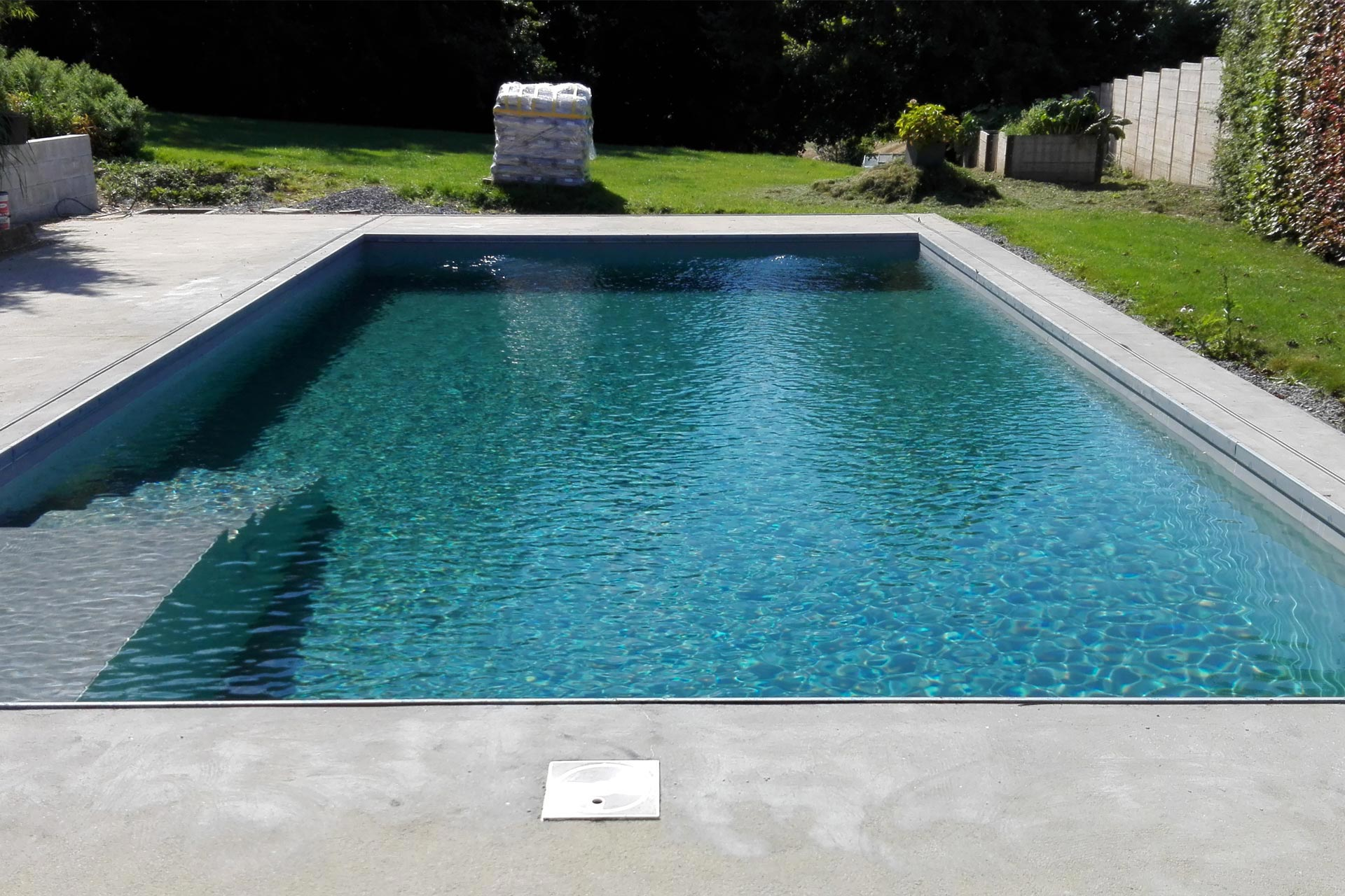 Piscine ext rieur pbt tanch it for Eclairage exterieur piscine