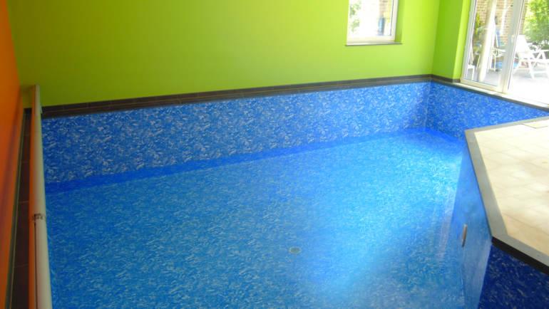 piscine intérieure 2